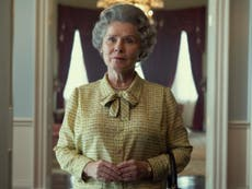 A coroa: First glimpse of Imelda Staunton as the Queen is released ahead of season five