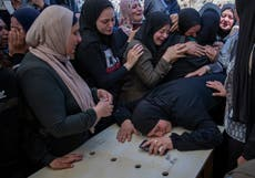 Palestinere, Israeli troops clash after West Bank funeral