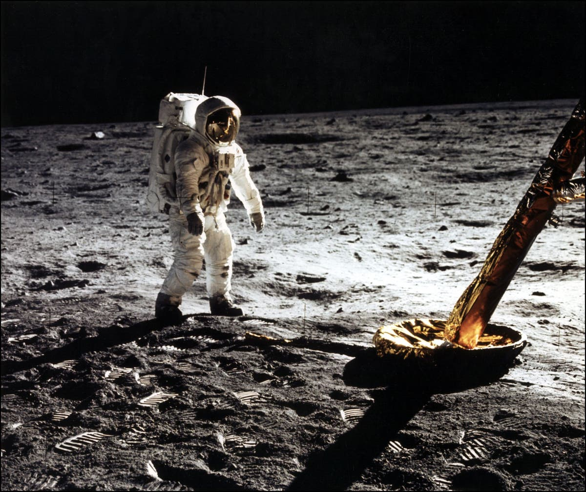 Buzz Aldrin reveals customs report he had to fill out travelling back from space