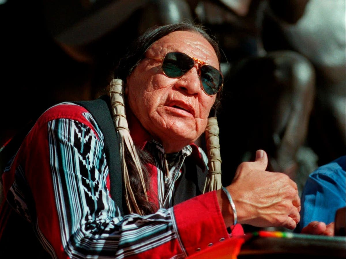 Saginaw Grant: Noted Native American character actor dies aged 85