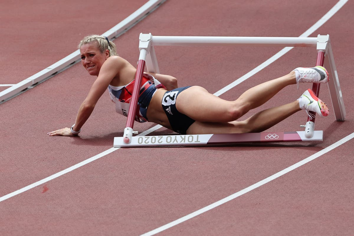 Heartbreak for GB's Jessie Knight as she crashes into first hurdle in 400m heat