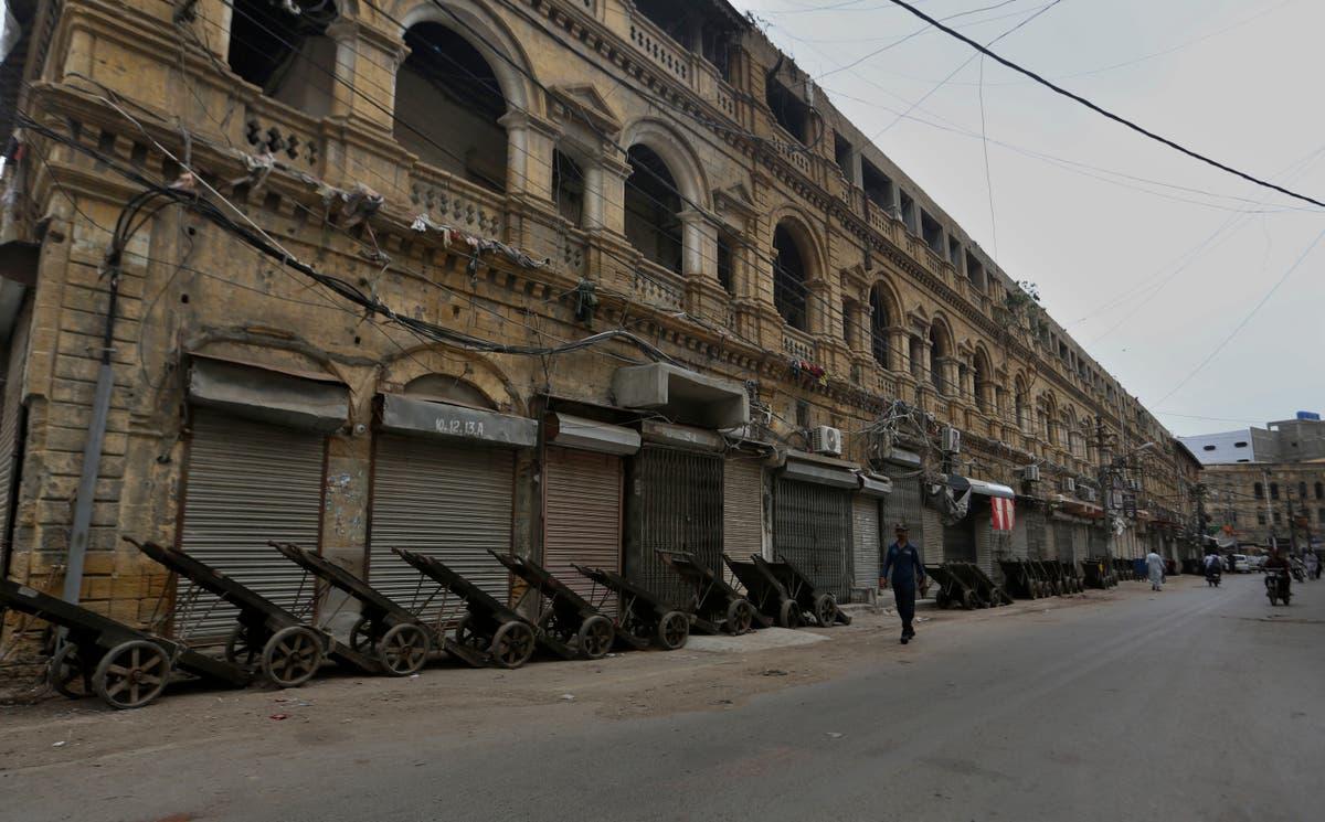 Die nuutste: Pakistan locks down Karachi amid new surge