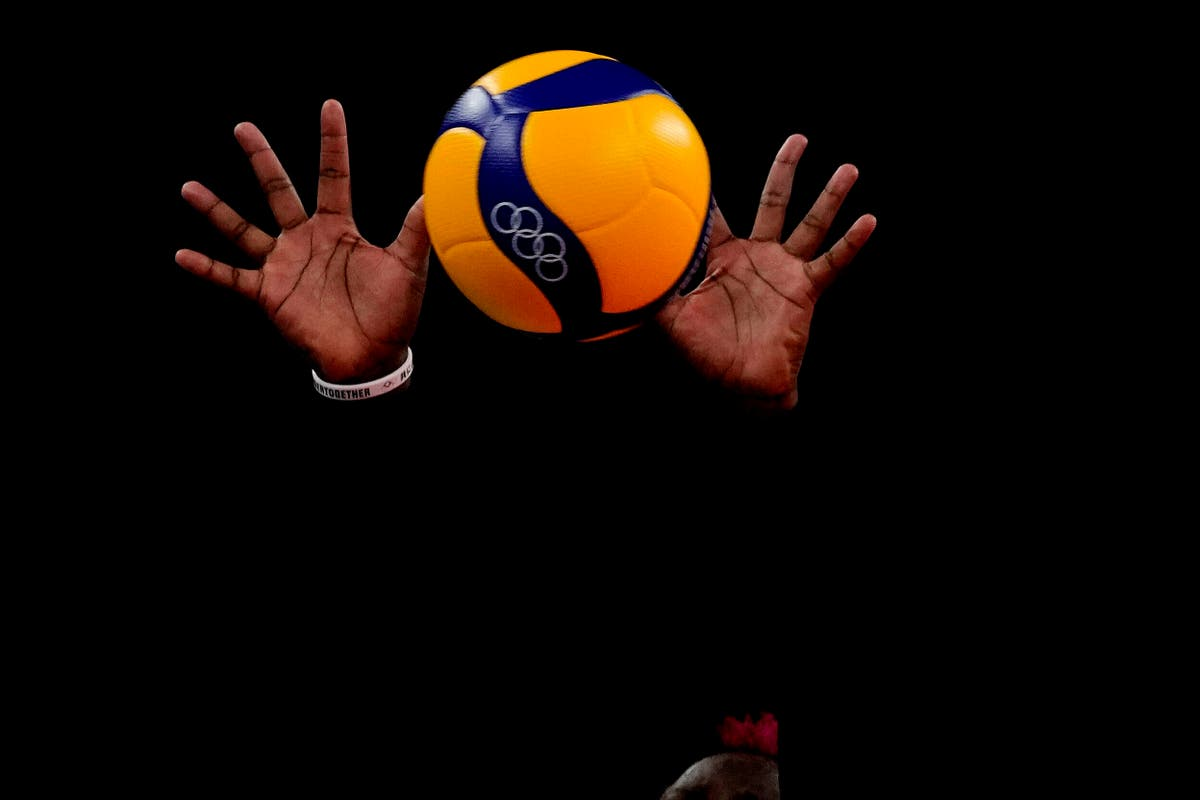 OLHOS: In Olympic volleyball, hands from the darkness