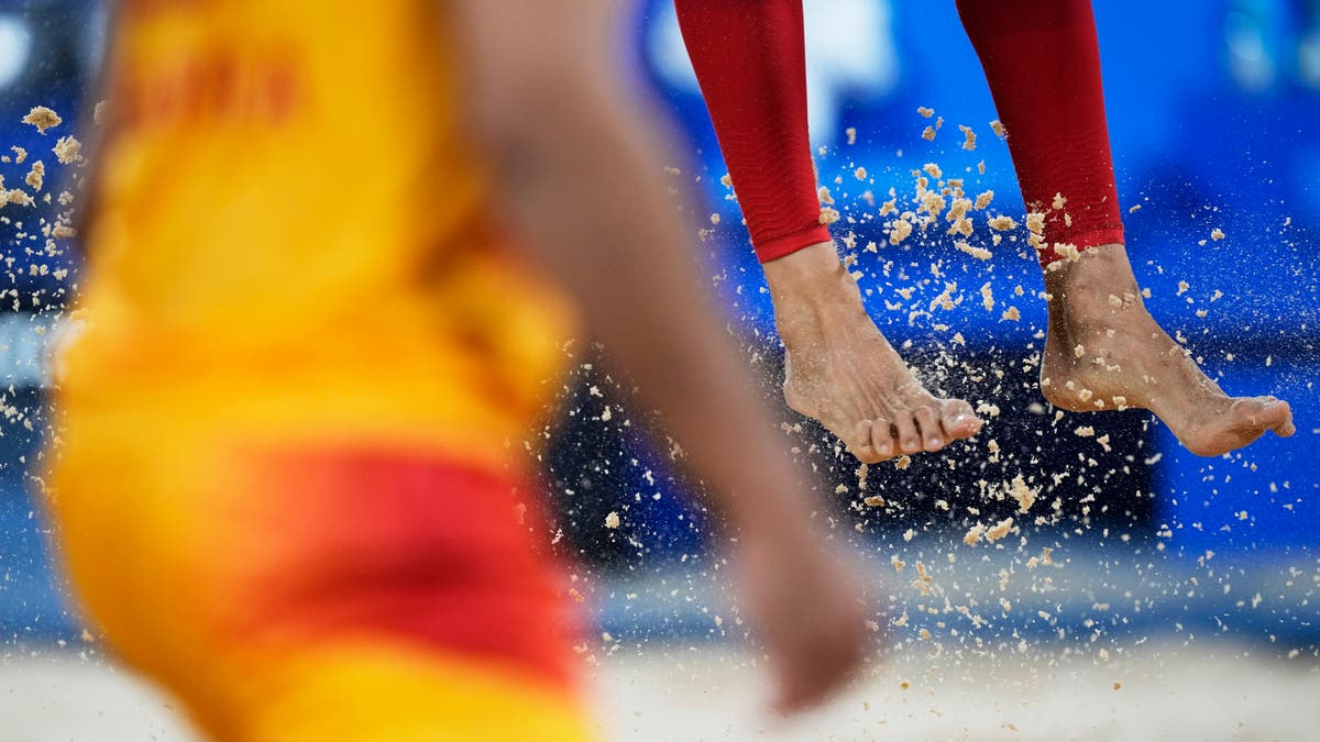 FORKLARER: How does a grain of sand make it to the Olympics?