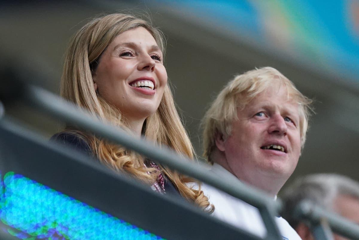 Boris e Carrie Johnson esperando o segundo filho juntos