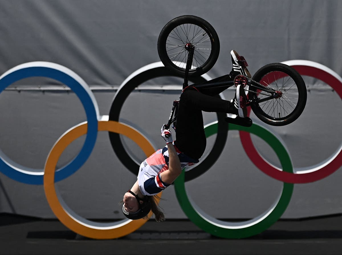 Charlotte Worthington produces jaw-dropping ride for historic BMX freestyle gold