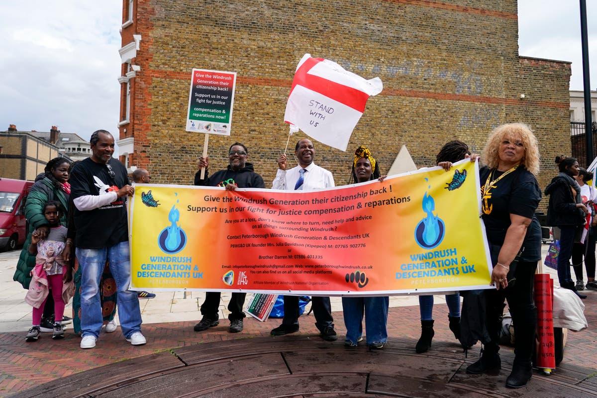 Vítimas do Windrush no Reino Unido exigem compensação no Dia da Emancipação