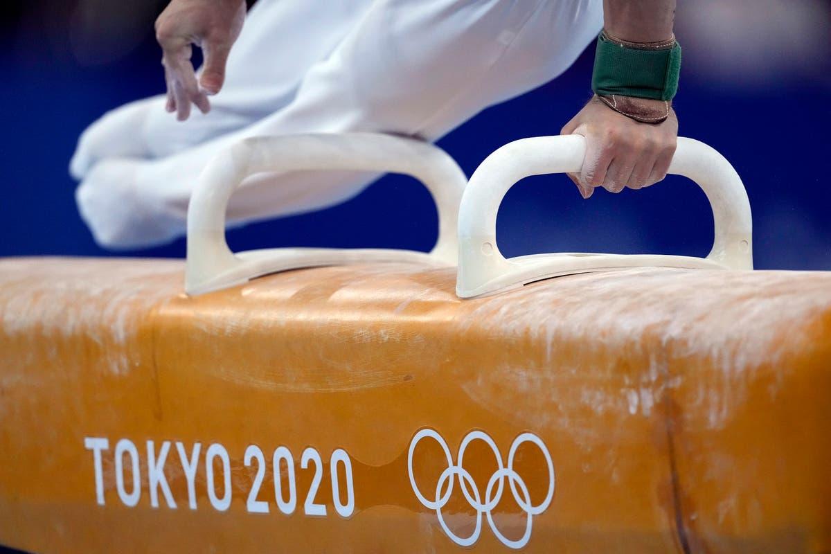 EXPLICADOR: How gymnastics evolved from 'exercising naked'
