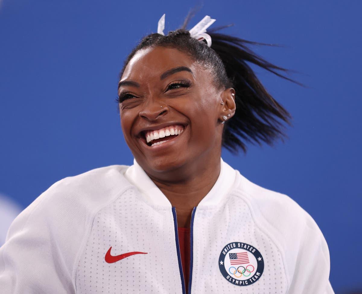 Simone Biles retorna às Olimpíadas de Tóquio para a final da trave de equilíbrio