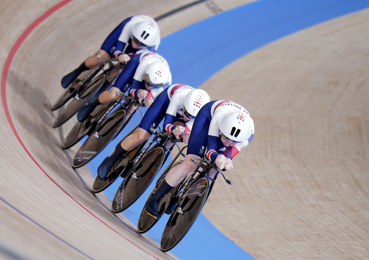Team GB second in team pursuit after losing world record to Germany
