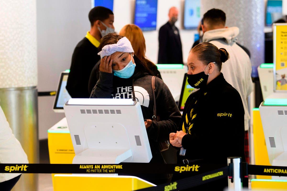 Por que a Spirit Airlines está cancelando voos e o que você deve fazer se isso acontecer com você?