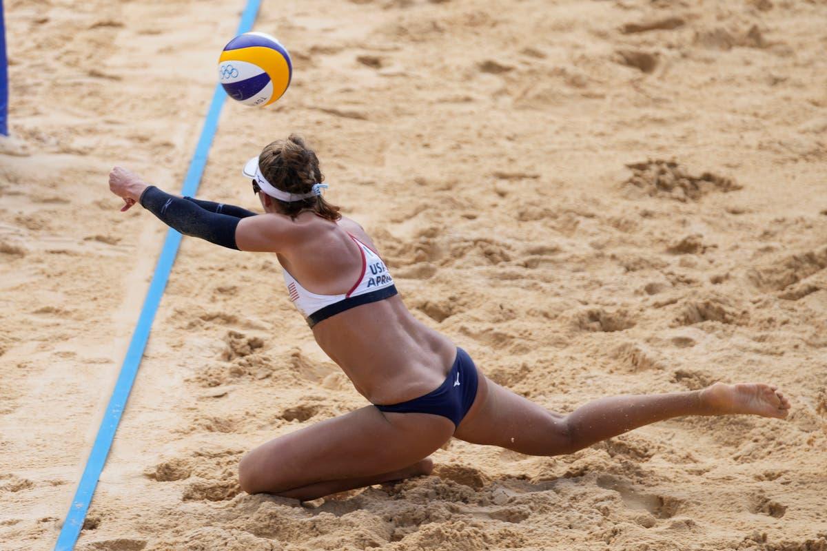 最新のオリンピック: 米国のビーチバレーボールチームが元チャンピオンを破る