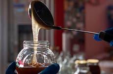 TikTokers警告不要吃冷冻蜂蜜的危险趋势