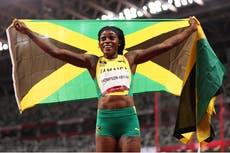 Elaine Thompson-Herah remporte la finale du 200 m féminin pour compléter le double-double olympique