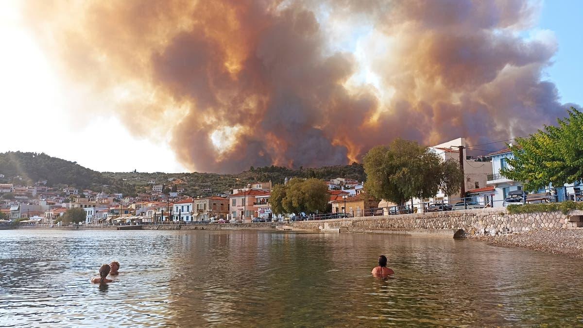 雅典附近发生火灾,居民撤离,希腊被迫关闭雅典卫城