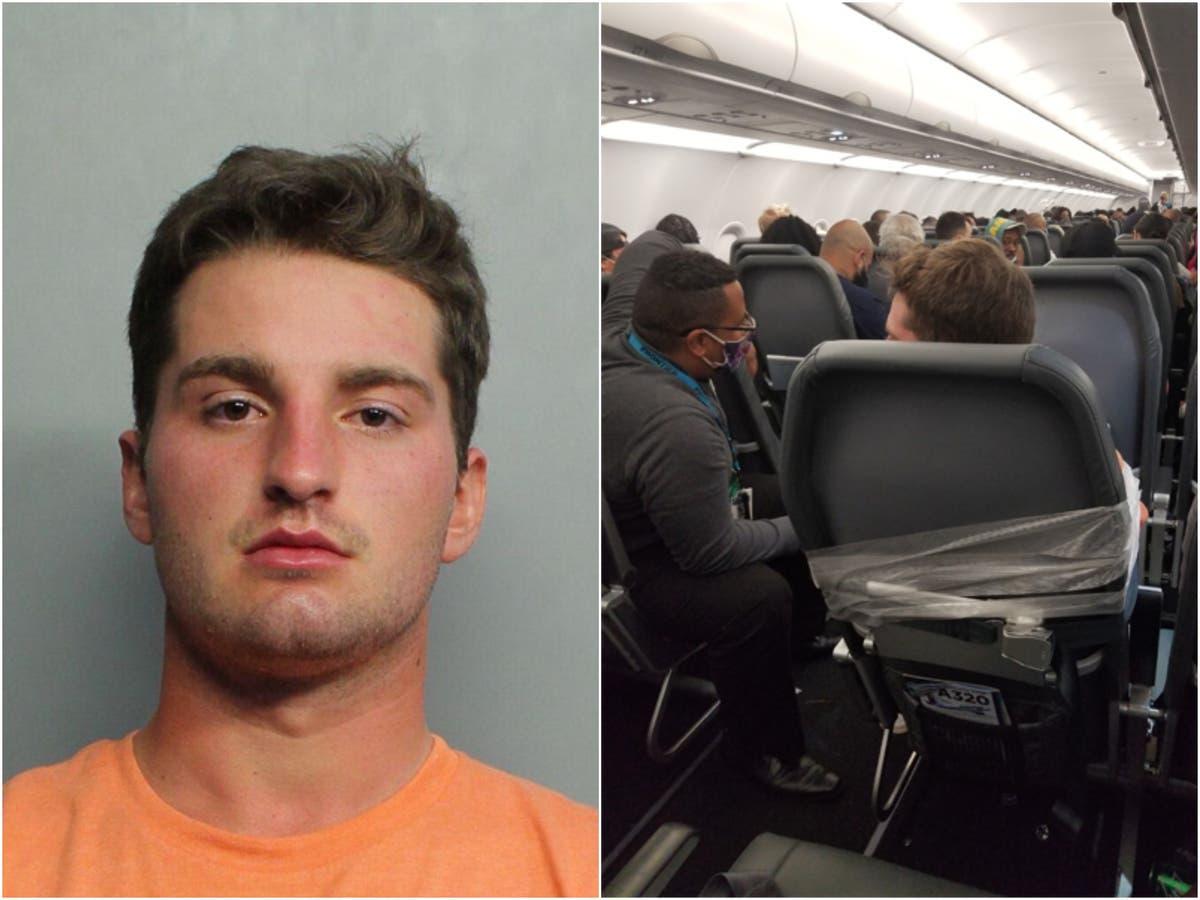 客室乗務員を手探りして殴った後、航空会社の乗客がダクトテープで座席に固定された
