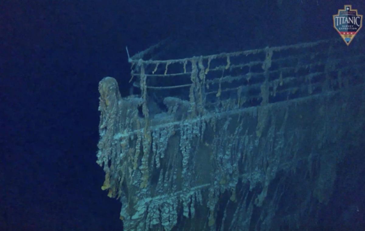 新しい深海の画像は、タイタニック号の難破船が劣化していることを示しています