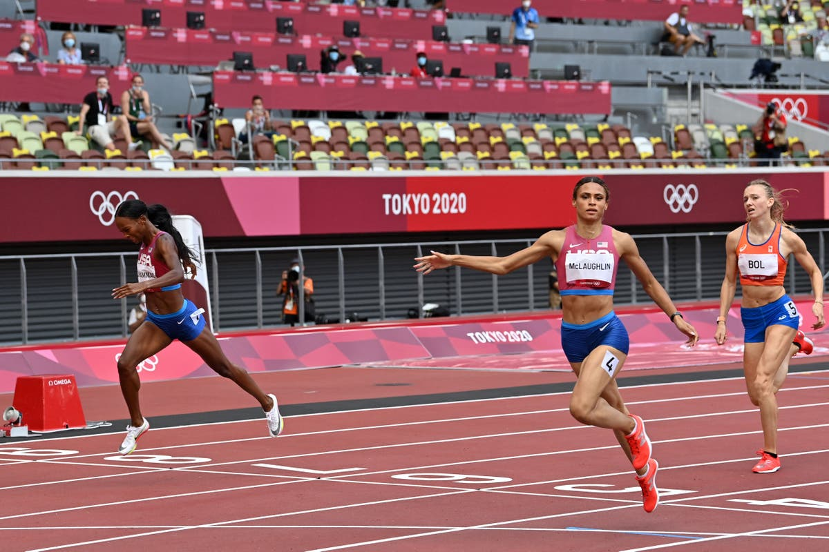 Sydney McLaughlin sets world record as she wins gold in 400m hurdles