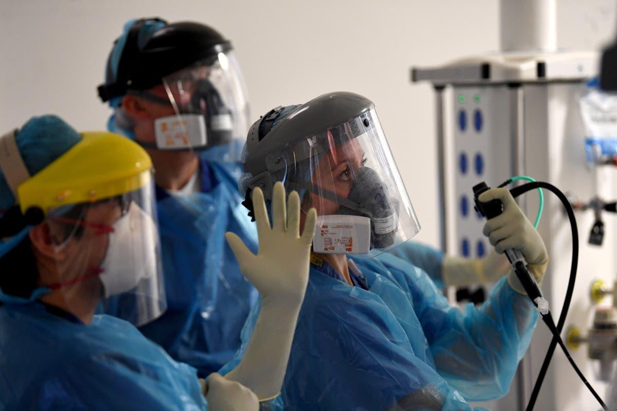 NHS faces 'acute pressure' as vaccine immunity wanes, expert warns