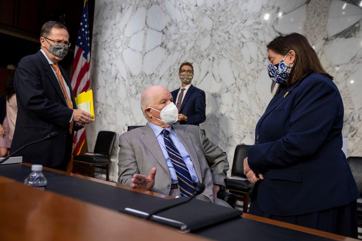 Bill repealing Iraq war powers advances in Senate