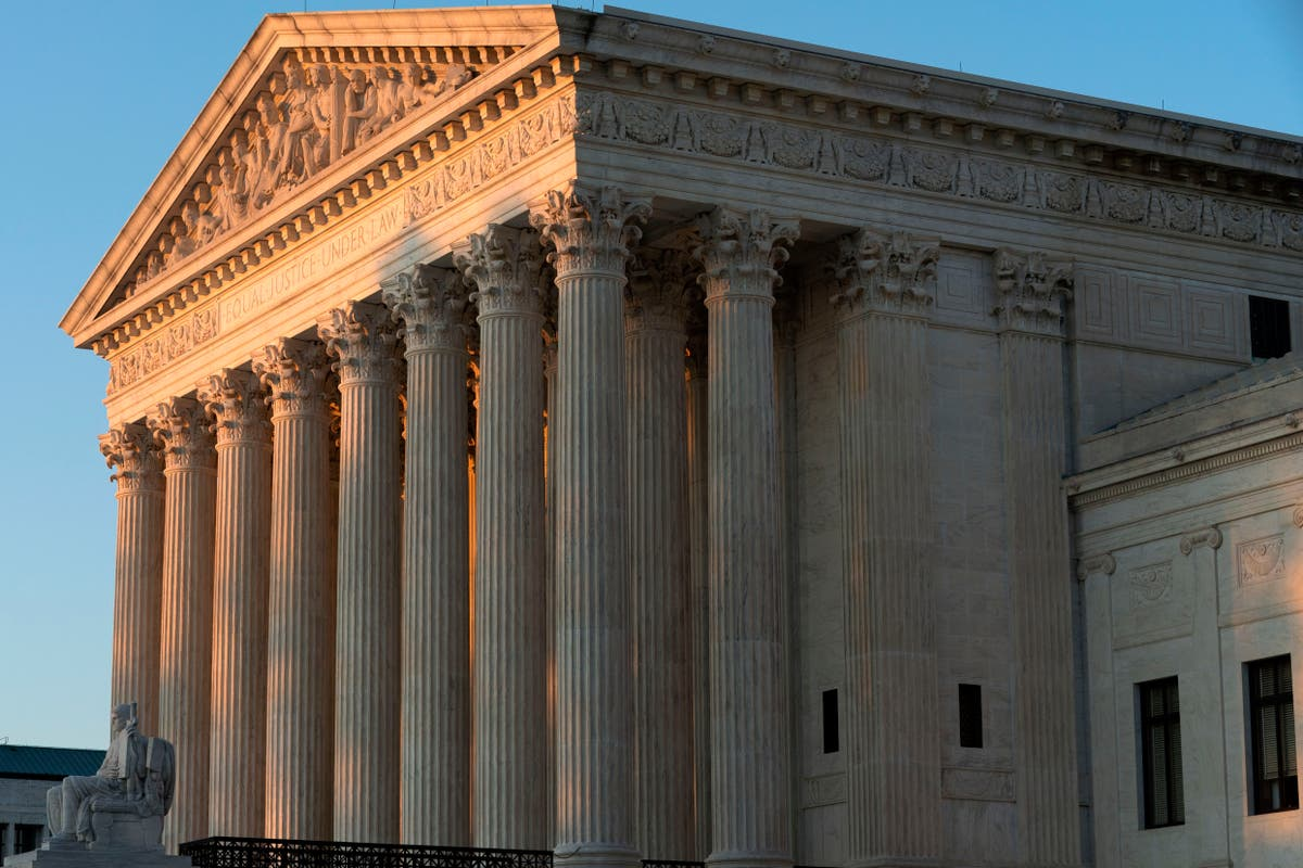 Supreme Court blocks part of NY eviction moratorium