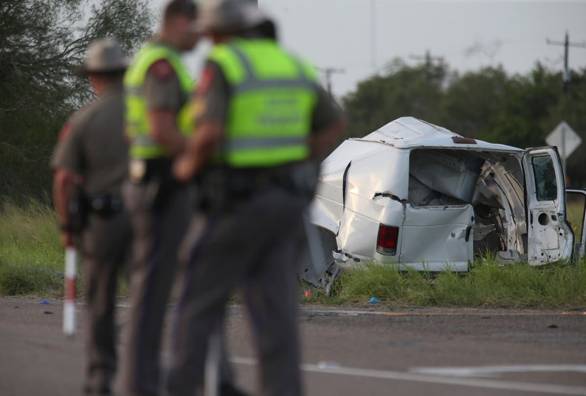 I det minste 10 dead as van carrying migrants crashes in Texas