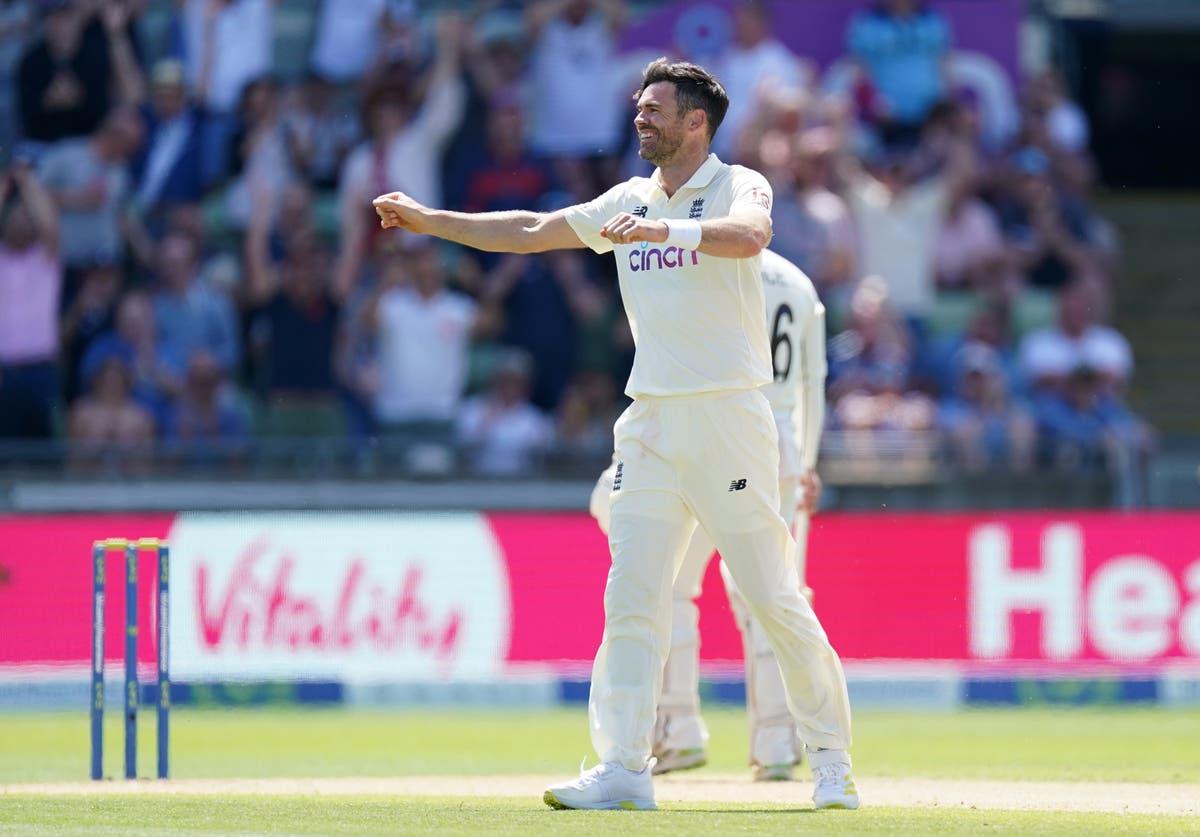 James Anderson wins battle with Virat Kohli as England fight back