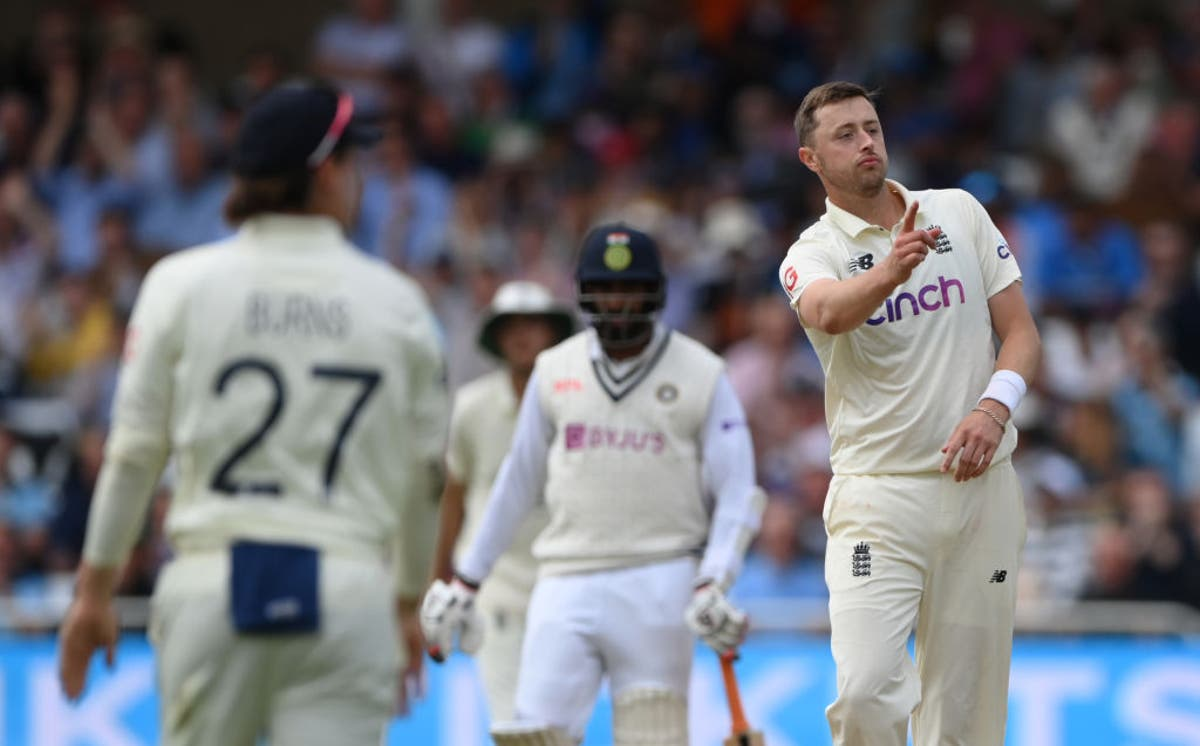 Underperforming England trail India by 70 despite Ollie Robinson's maiden five-wicket haul