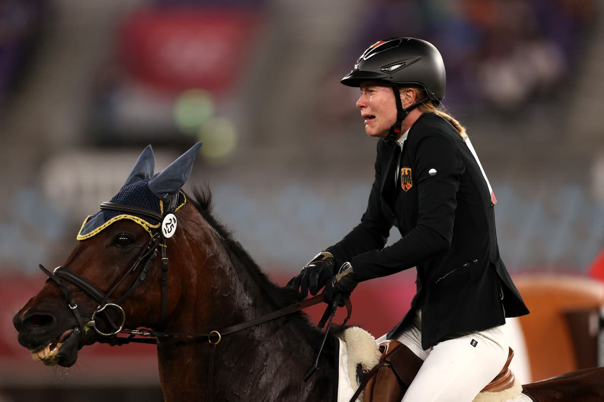 Gold medal position pentathlete left in tears as horse refuses to jump