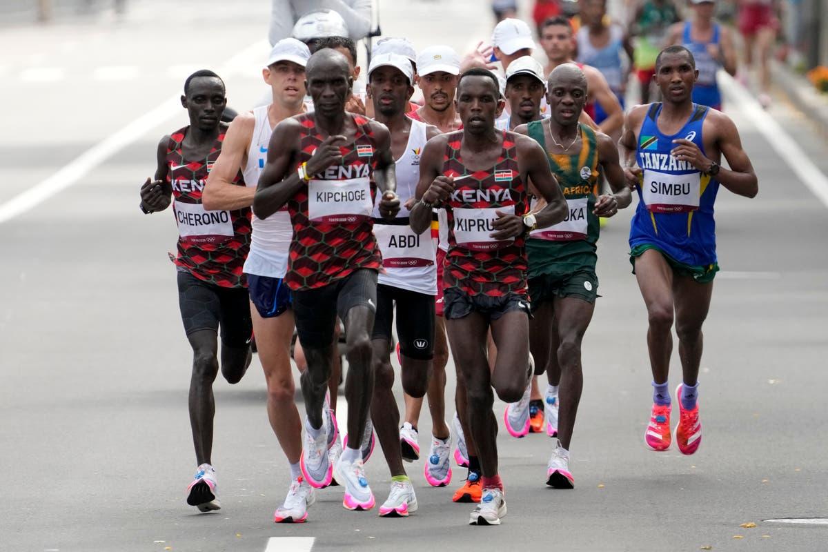 Olympic Latest: Kenya's Kipchoge wins repeat marathon gold