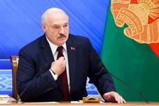 ベラルーシの指導者はクーデターを企てた反対を非難する