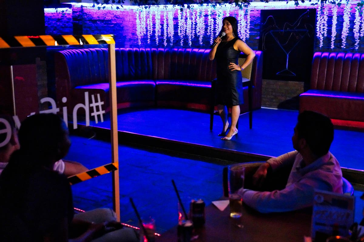 In Dubai, Filipina pulls no punches in jokes on Mideast life