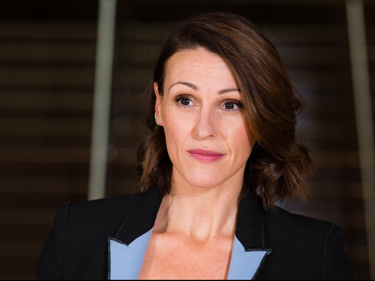 Suranne Jones discusses going back on medication after father's death from Covid