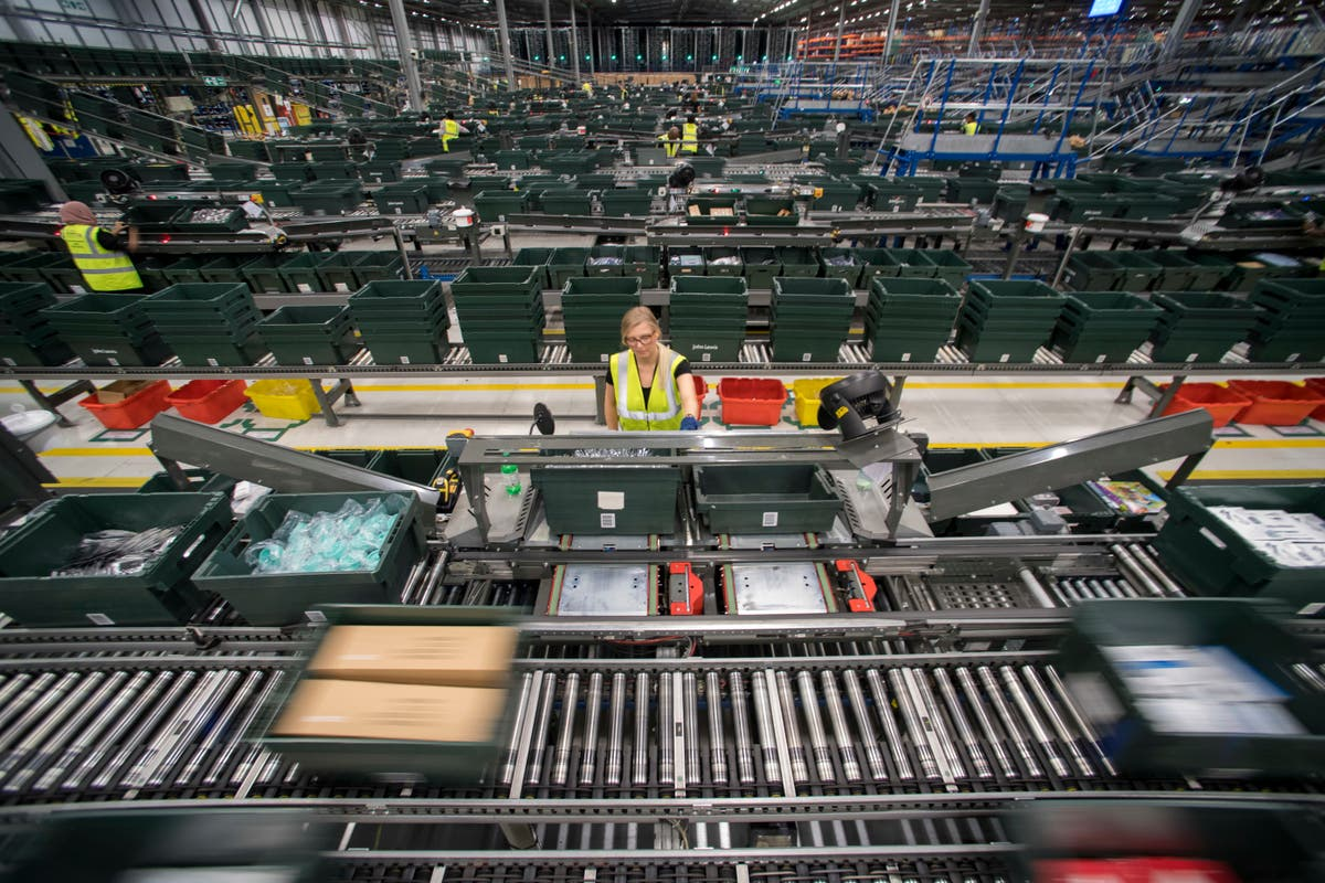 Critical shortage of warehouse space threatens Christmas supplies
