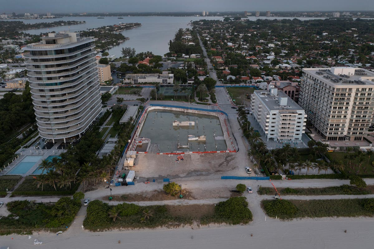 Anonymous bidder offers $120m for site of Miami condo collapse