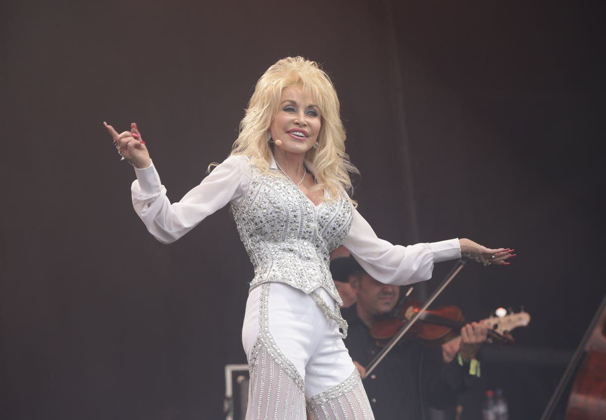 Dolly Parton and 5 brilliant authors who wrote their first book later in life