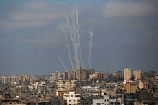 Rights group says Hamas rockets at Israel a clear war crime