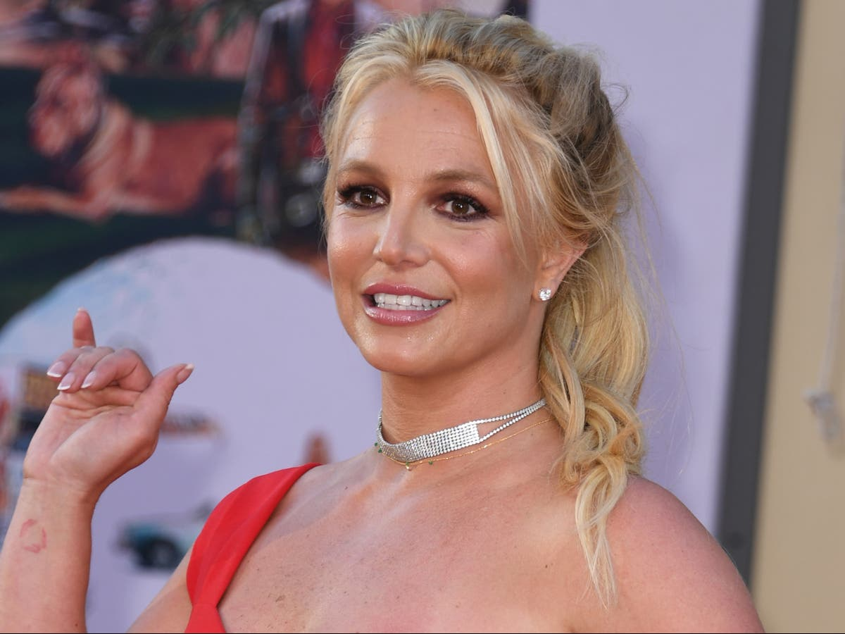 Jamie Spears agrees to step down as Britney Spears's conservator