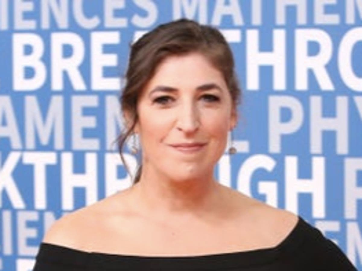 Big Bang Theory star Mayim Bialik clarifies vaccination stance after resurfaced comments