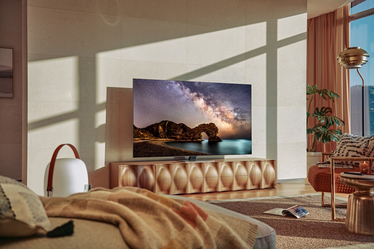 Why choose a Samsung Neo QLED TV and is it in the Bank Holiday sales?