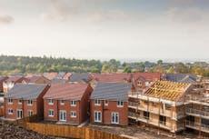 几乎 800,000 fewer homes zero-carbon due to Tory planning deregulation