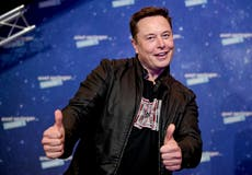 Elon Musk says SpaceX can 'probably' land humans on Moon before 2024