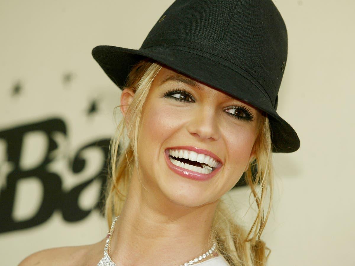 Britney Spears reassures alarmed fans after deactivating Instagram account