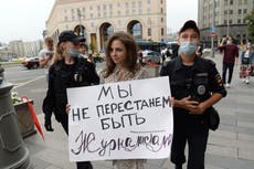 Russian police detain journalists backing media freedom