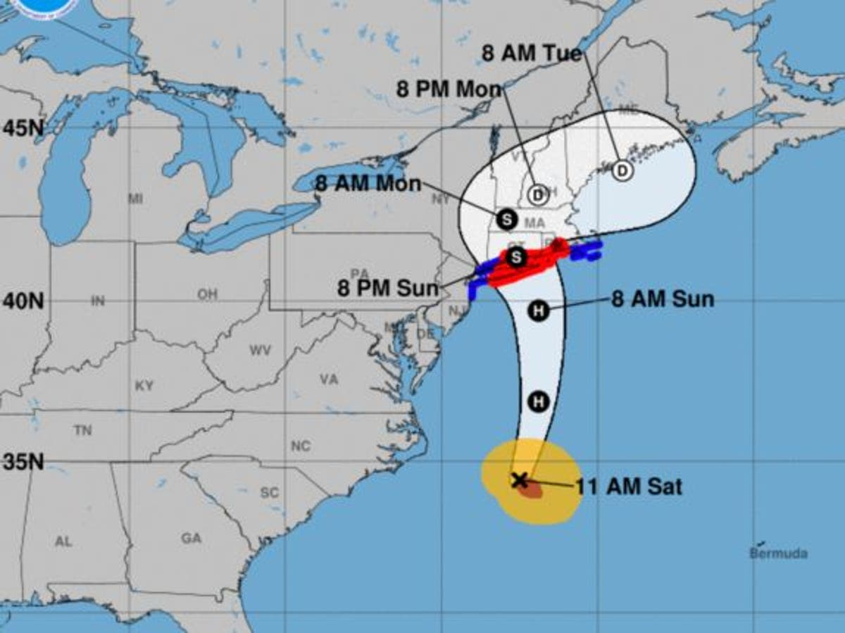 Andrew Cuomo declares State of Emergeny in New York ahead of hurricane - follow live
