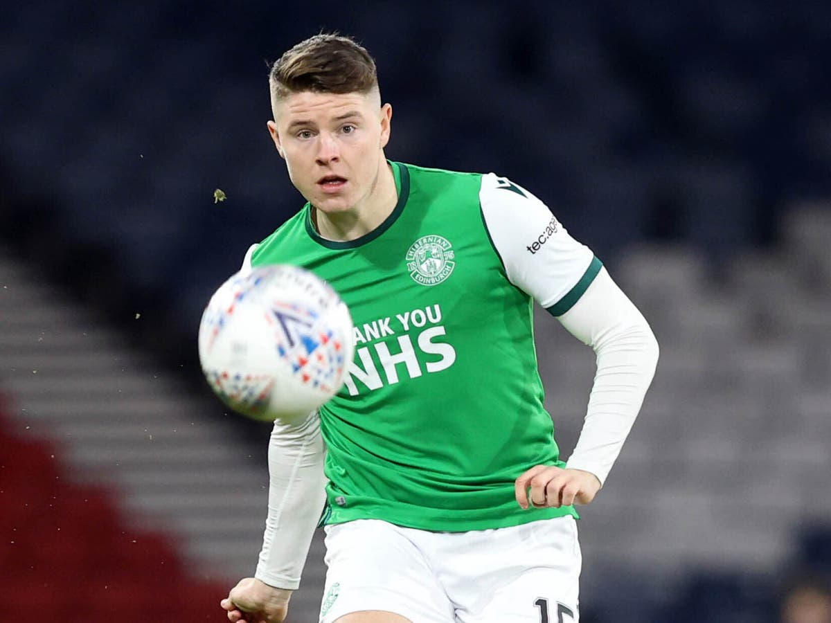 Hibernian's Kevin Nisbet missed Dundee clash due to illness