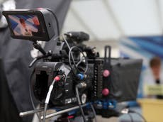 Disabled workers face  'consistent difficulties'  in the UK TV industry, 新しいレポートを言う
