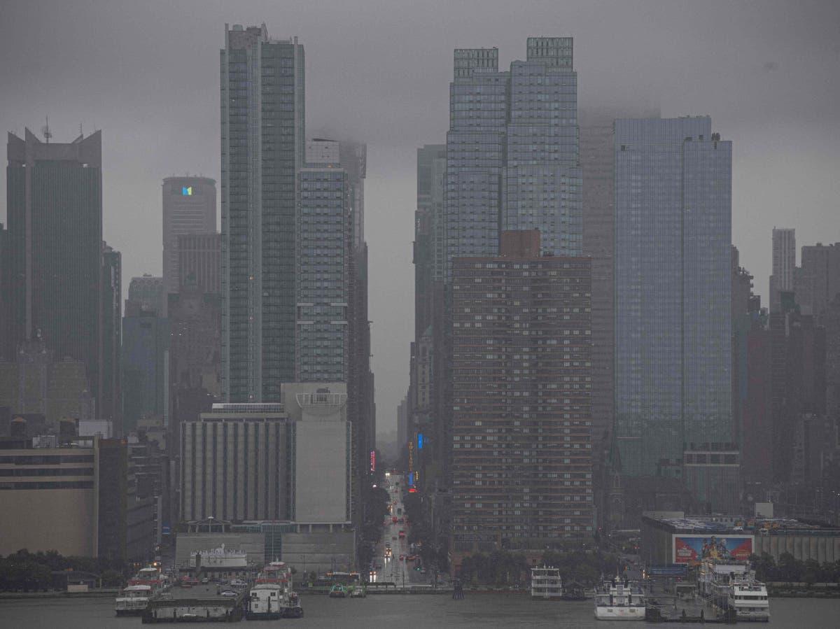 New York experiences wettest hour ever under hurricane Henri