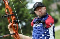 パラリンピック: Who is Team USA athlete known as the Armless Archer?