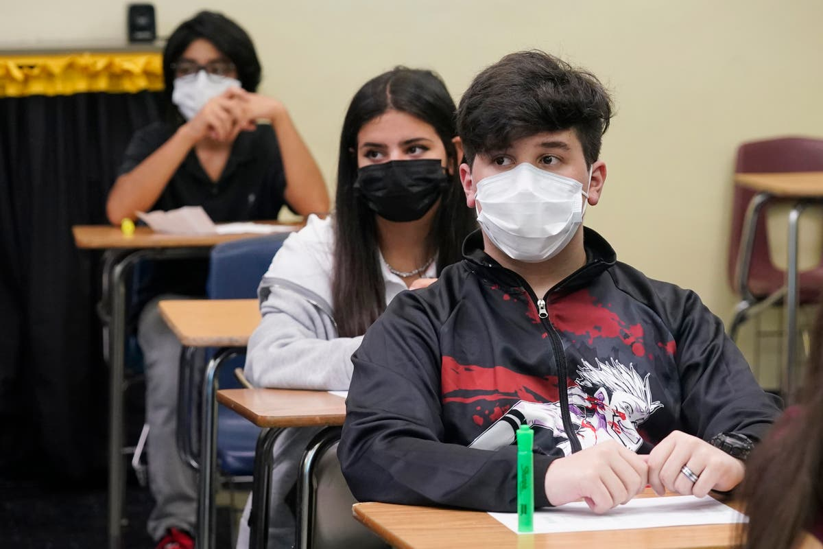 Professor quits during class as student refuses to wear a mask